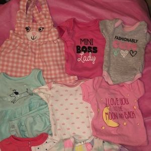 newborn to 3 months mini baby clothing lot.